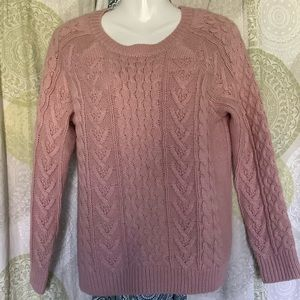 Forever 21 Cable knit sweater size M